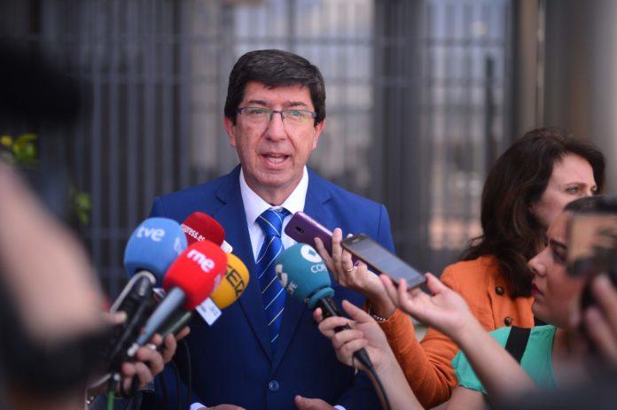 Juan Marín en una rueda de prensa