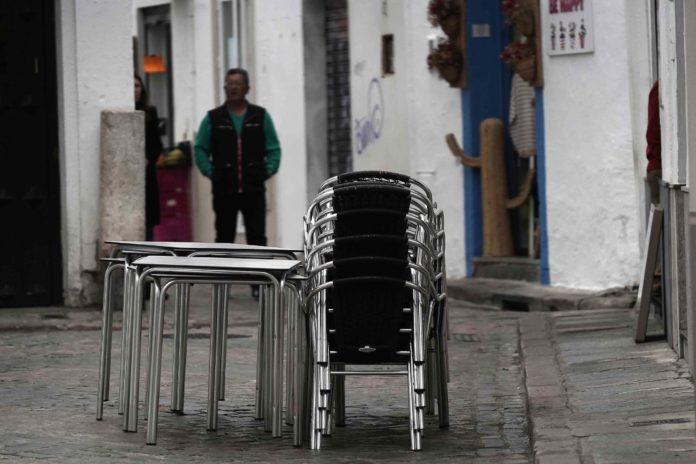 Terraza vacía. Foto: Miguel Valverde
