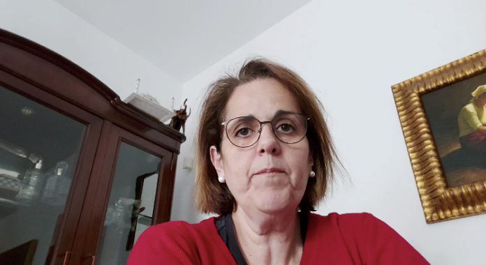 Blanca Torrent compareciendo en una nota de prensa
