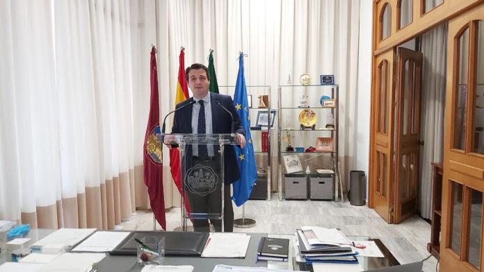 alcalde de Córdoba compareciendo
