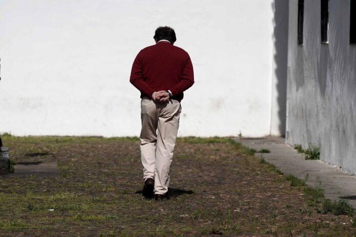 Hombre paseando