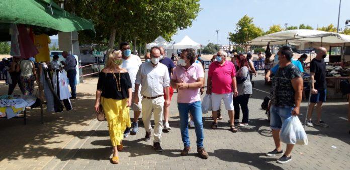 Grupo Municipal Podemos en el mercadillo