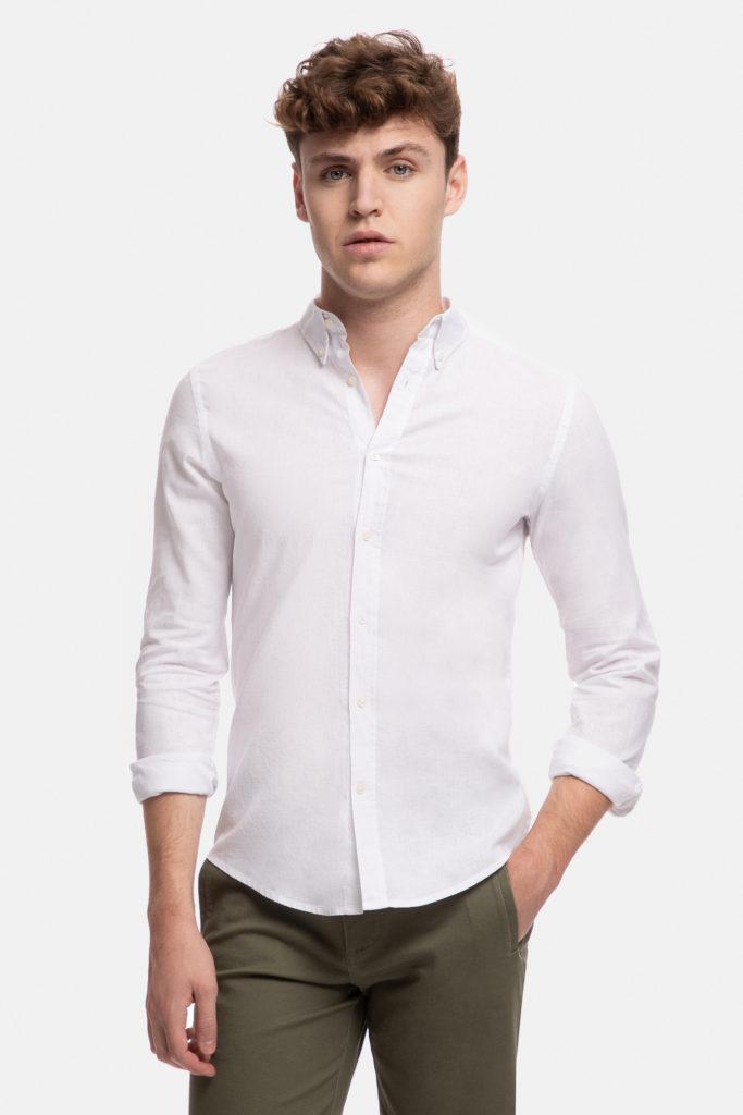 Camisa blanca de Álvaro Moreno