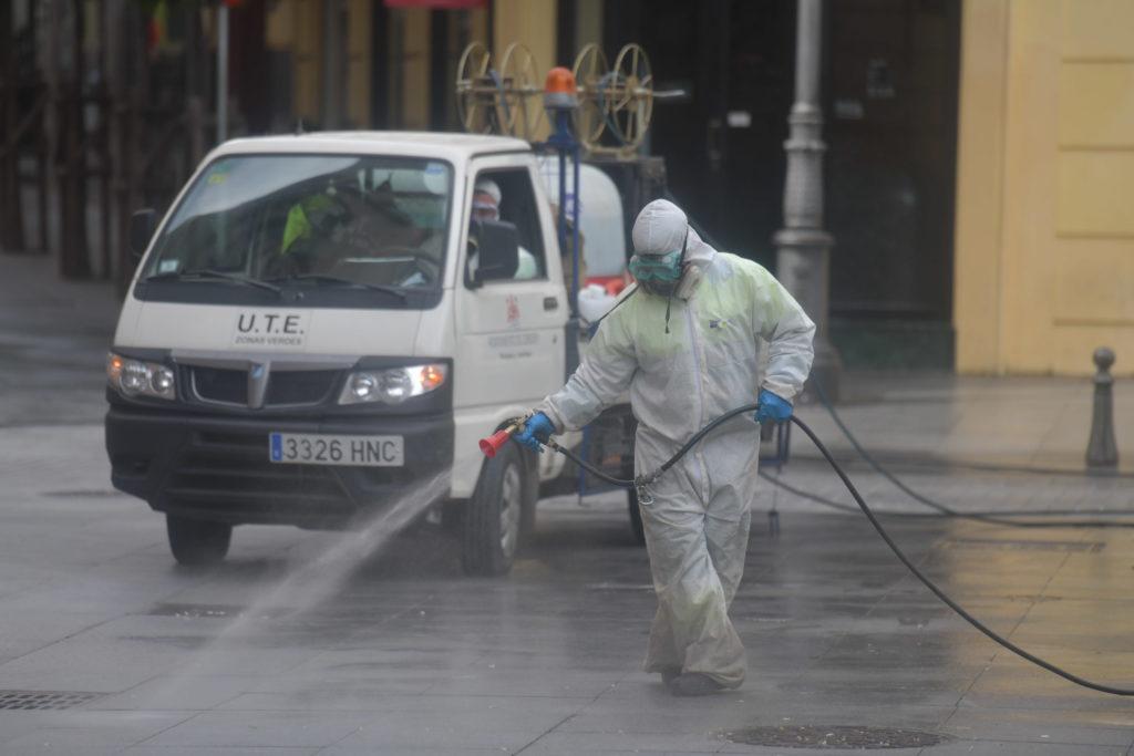 última hora Sadece desinfectando las calles de la ciudad frente al Covid
