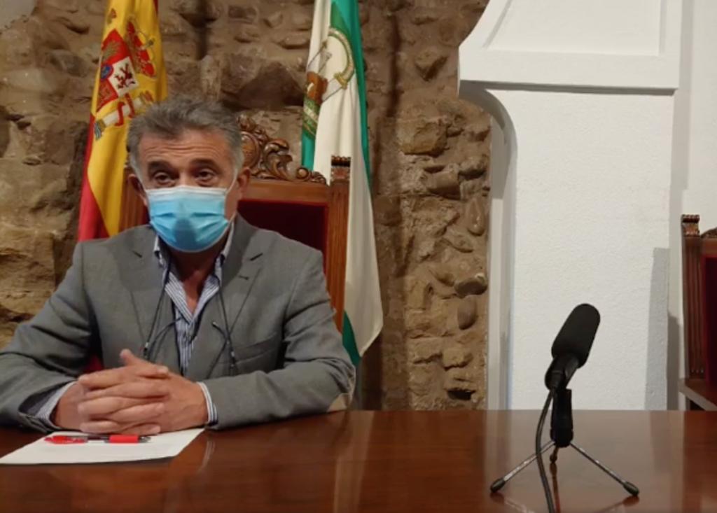 Emilio Monterroso, alcalde de Villa del Río, en rueda de prensa