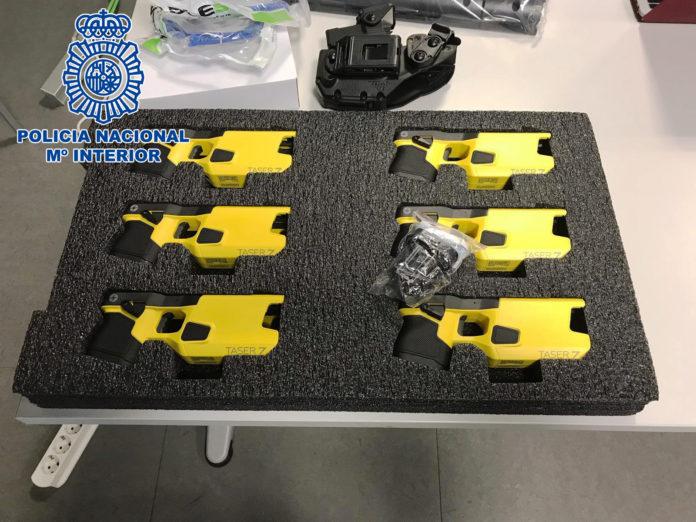 polícia nacional, pistolas eléctricas