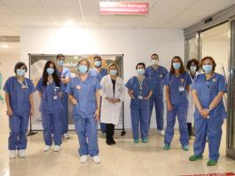 Diferentes especialidades y personal de Enfermería en el bloque quirúrgico, enfermeras