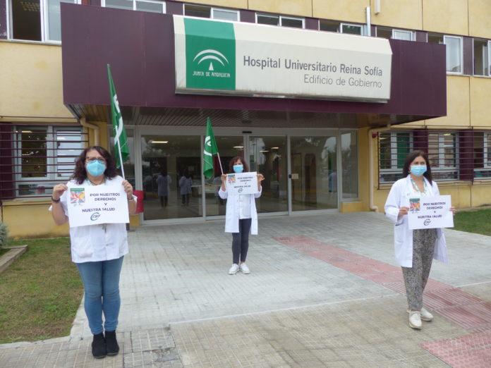 Trabajadoras protestan contra la nueva orden sanitaria