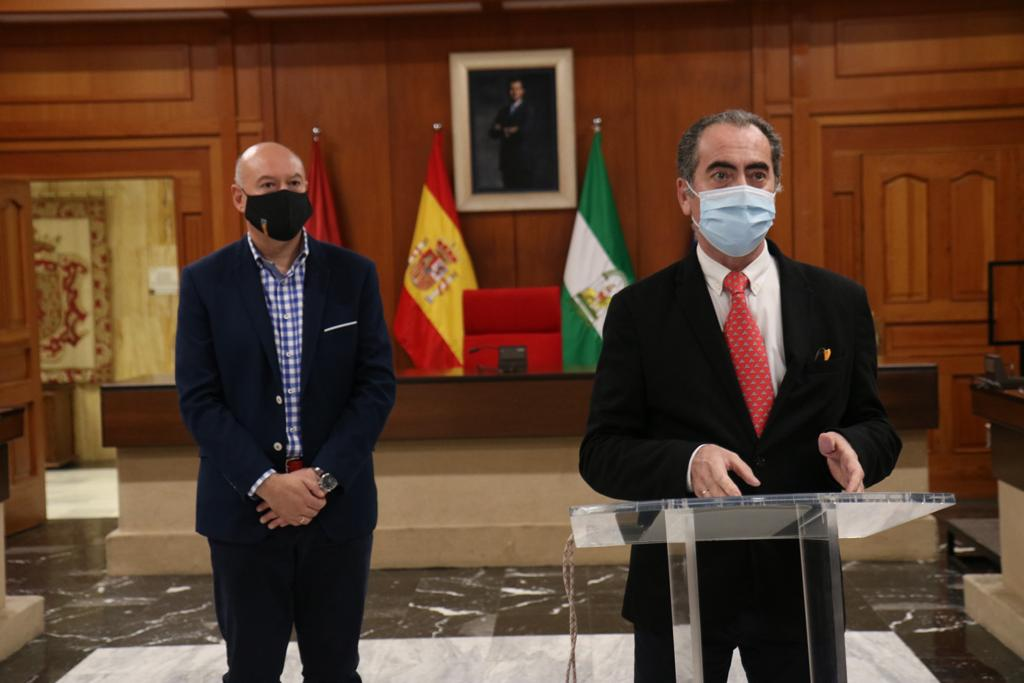 El delegado de Gestión, Antonio Álvarez, ha comunicado las instrucciones por el Área de Gestión