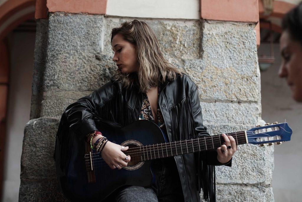 María García, cantautora y guitarrista de Las Jipas. FOTO: RAM