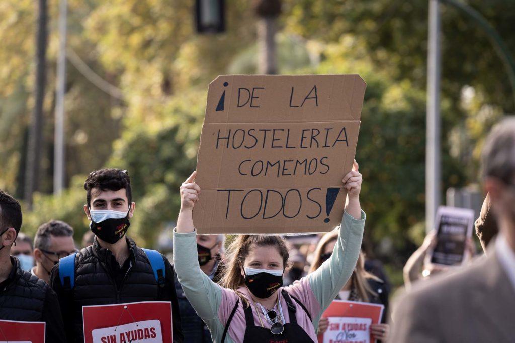 Los hosteleros se manifiestan en Córdoba. FOTO: RAM