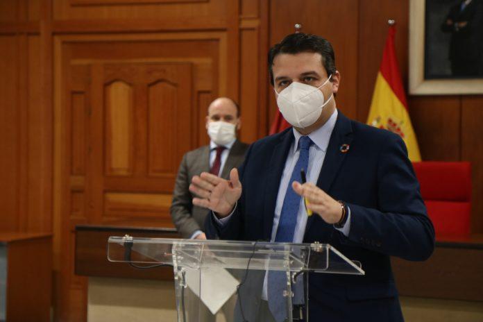 El alcalde de Córdoba, José María Bellido, en rueda de prensa