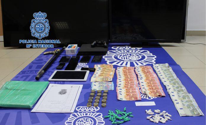 Menudeo de droga, tráfico de drogas
