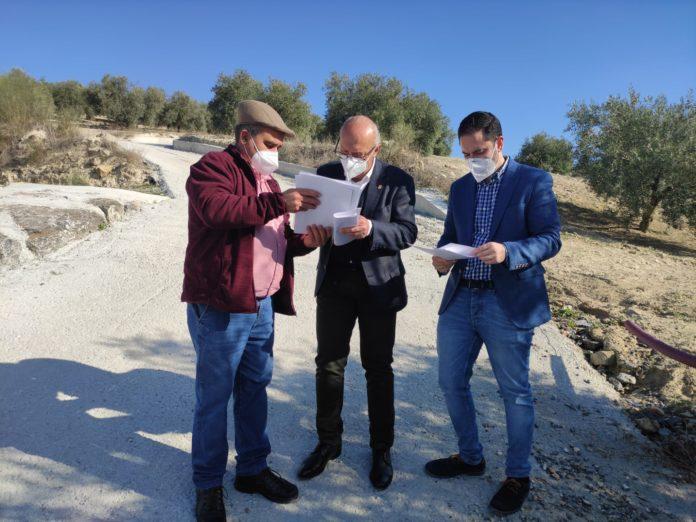 Lucas Gómez y Rafael Gómez visitan el camino junto al diputado provincial