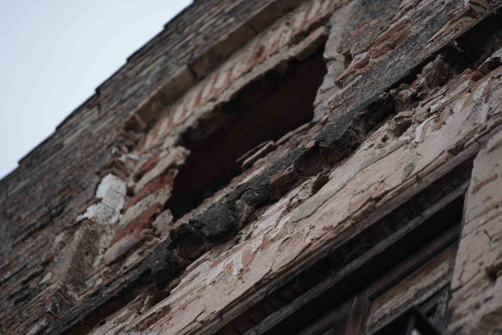 Palomas posadas en una de las torres de lacalle Caiouán. Foto: RAM