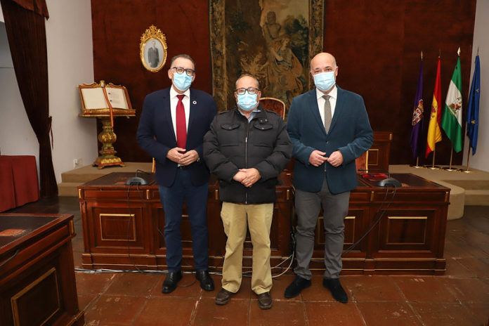 Firma del convenio con Valsequillo y la Diputación de Córdoba