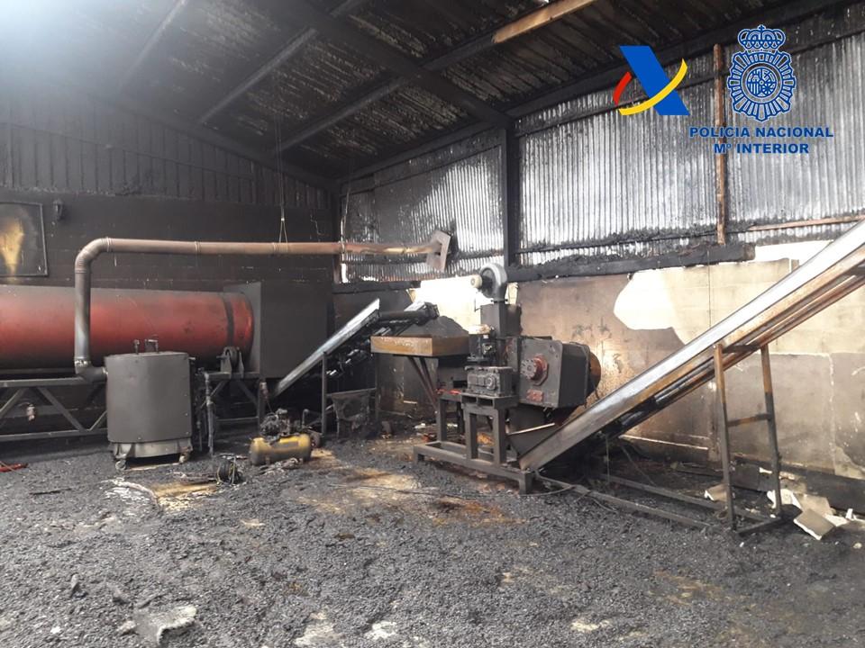 Desmantelada una fábrica ilegal de tabaco en Lucena con capacidad para producir un millón de cigarrillos al día