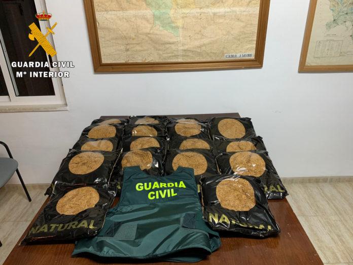 Picadura de tabaco en Aldea Quintana, contrabando de tabaco