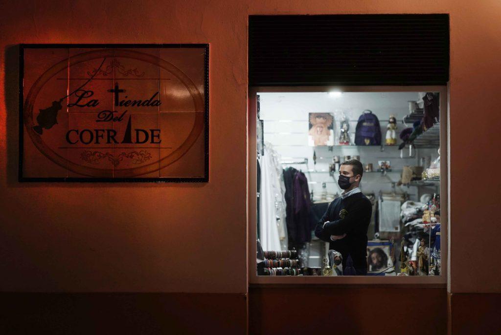 'La tienda del Cofrade' en San Lorenzo