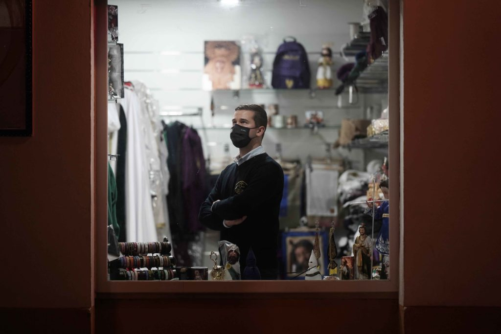 'La tienda cofrade' se adapta a la etapa de pandemia