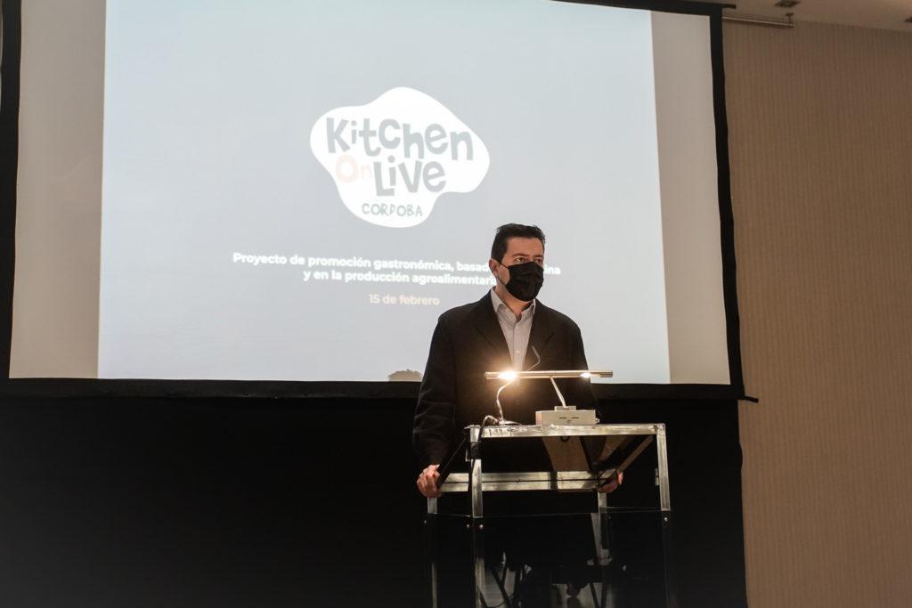 Francisco de la Torre interviene en la presentación. FOTO: Miguel Valverde