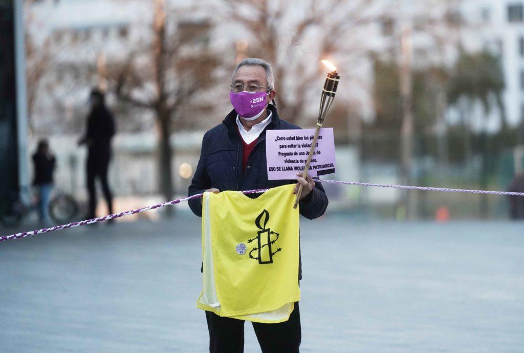 Hombre reivindicando los derechos de las mujeres Foto: RAM