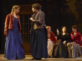 actrices durante la representación teatral 'En palabras de Jo... Mujercitas'