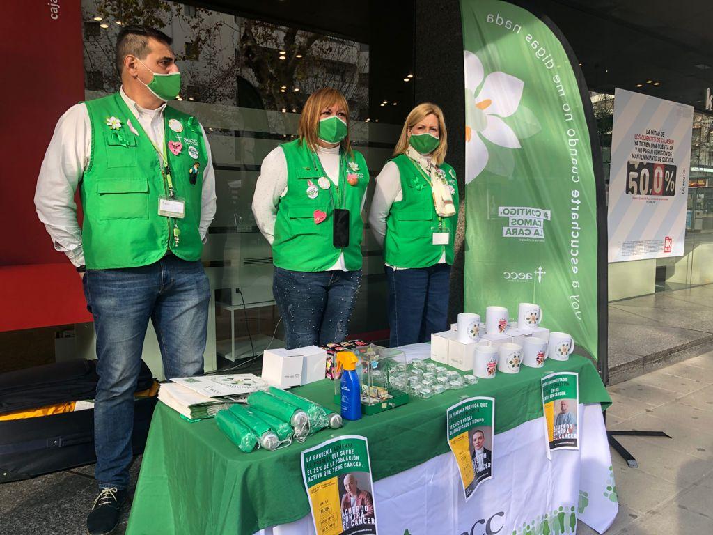 Voluntarios de la AECC