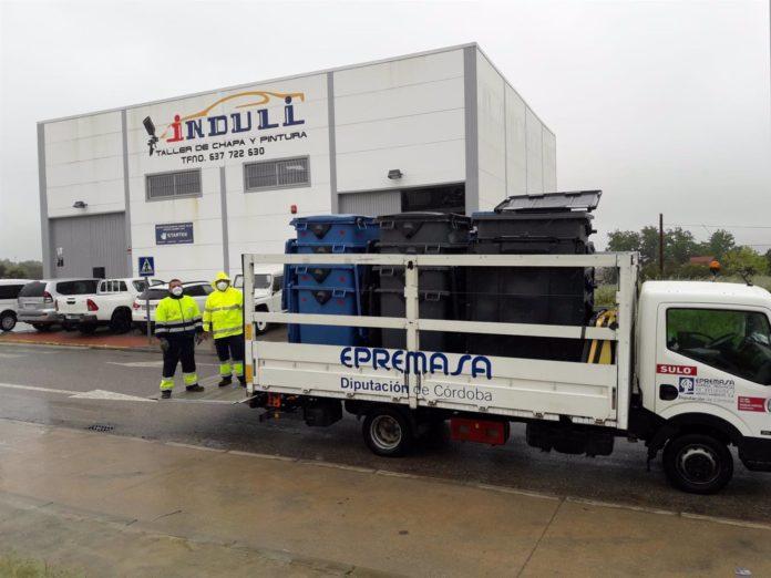 Epremasa entrega contenedores de residuos de uso privativo