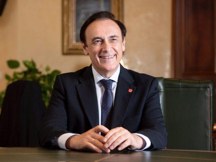 El presidente de Crue Universidades Españolas y rector de la Universidad de Córdoba, José Carlos Gómez Villamandos