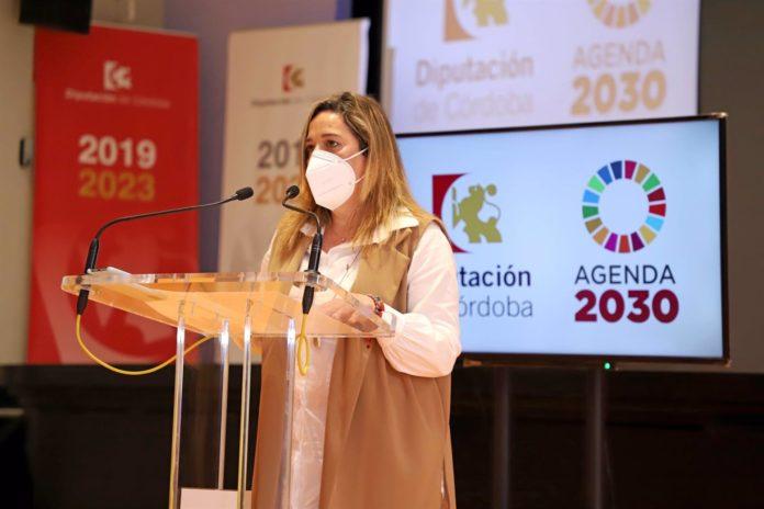 La presidenta de la Fundación Provincial de Artes Plásticas Rafael Botí, Salud Navajas