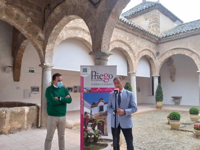 El delegado territorial de Turismo en Córdoba, Ángel Pimentel, en Priego de Córdoba