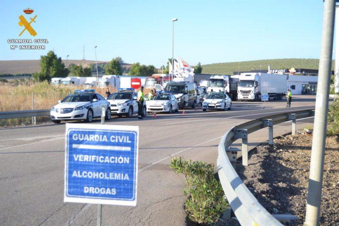 Guardia Civil, control de alcoholemia y drogas