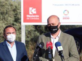 El presidente de la Diputación de Córdoba y alcalde de Rute, Antonio Ruiz, ha visitado la zona de intervención junto al responsable de Carreteras, Francisco Palomares