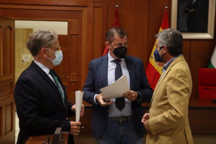 Miguel Ángel Torrico, David Dorado y Salvador Fuentes