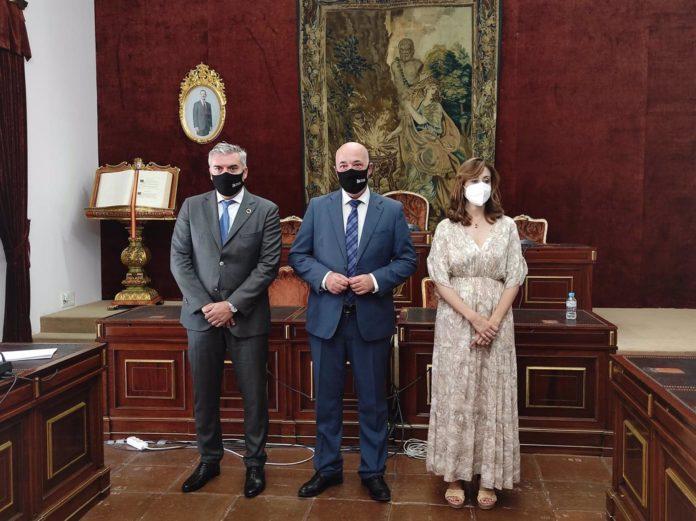 Antonio Ruiz, Víctor Montoro y Felisa Cañete