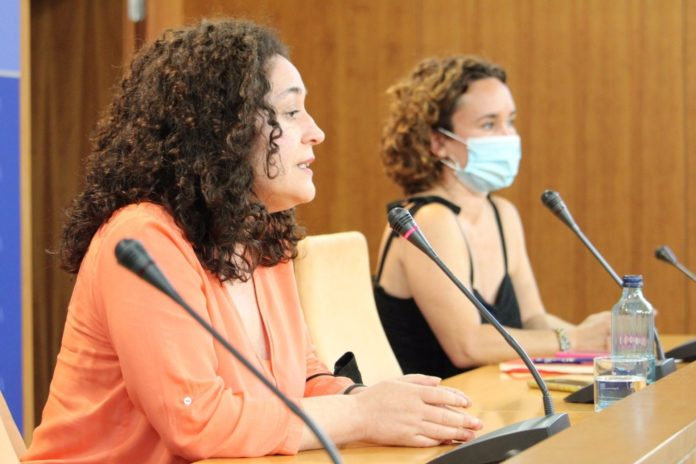La diputada de Unidas Podemos (UP) por Andalucía Ana Naranjo ha exigido este sábado a la Junta de Andalucía, gobernada por PP y Ciudadanos, recursos económicos y medidas ante el